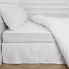 Aurore 300 Thread Count Fitted Sheet Color: White, Size: Queen