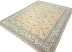 Xenos Hand-Knotted Wool Beige/Ivory Area Rug