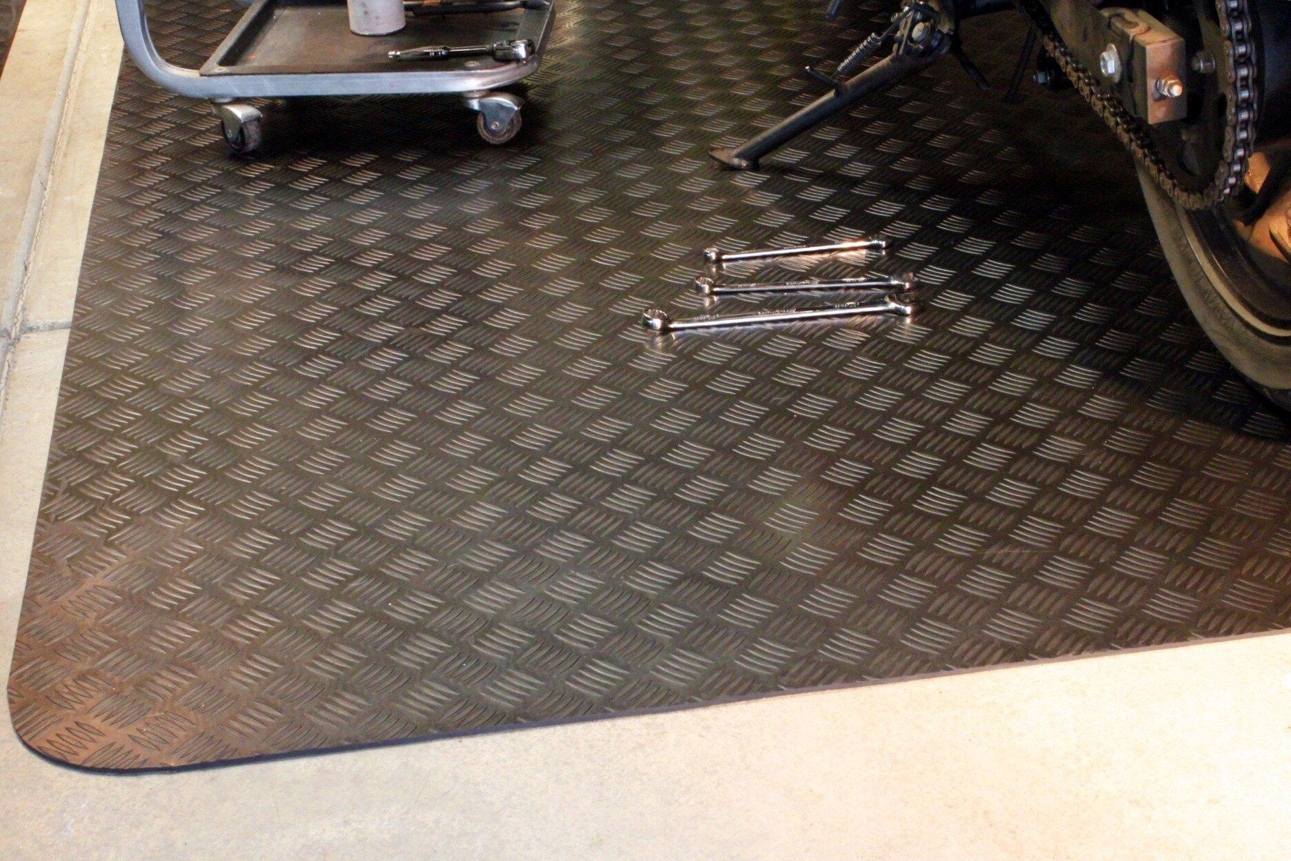Mats inc autoguard garage floor protection utility mat for Auto flooring
