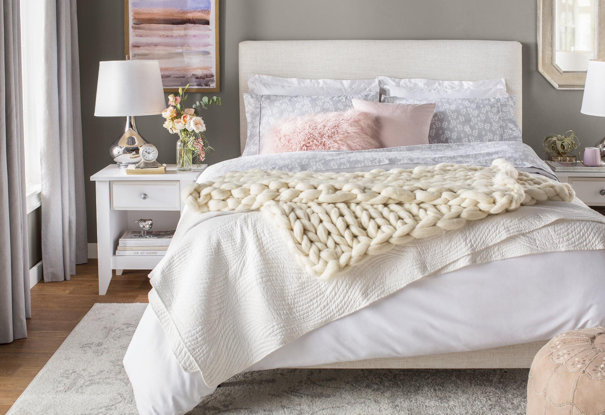 Skyline Furniture Upholstered Panel Bed Size Full Color Talc