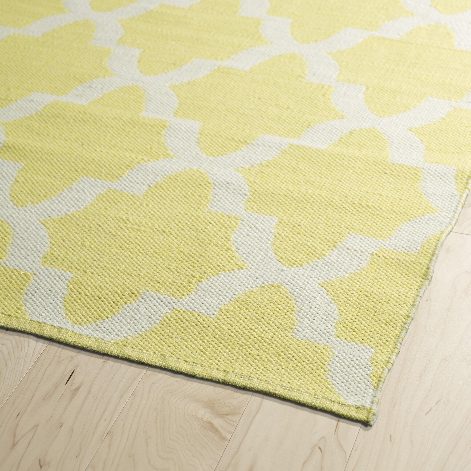 kaleen brisa yellow white indoor outdoor area rug ebay. Black Bedroom Furniture Sets. Home Design Ideas