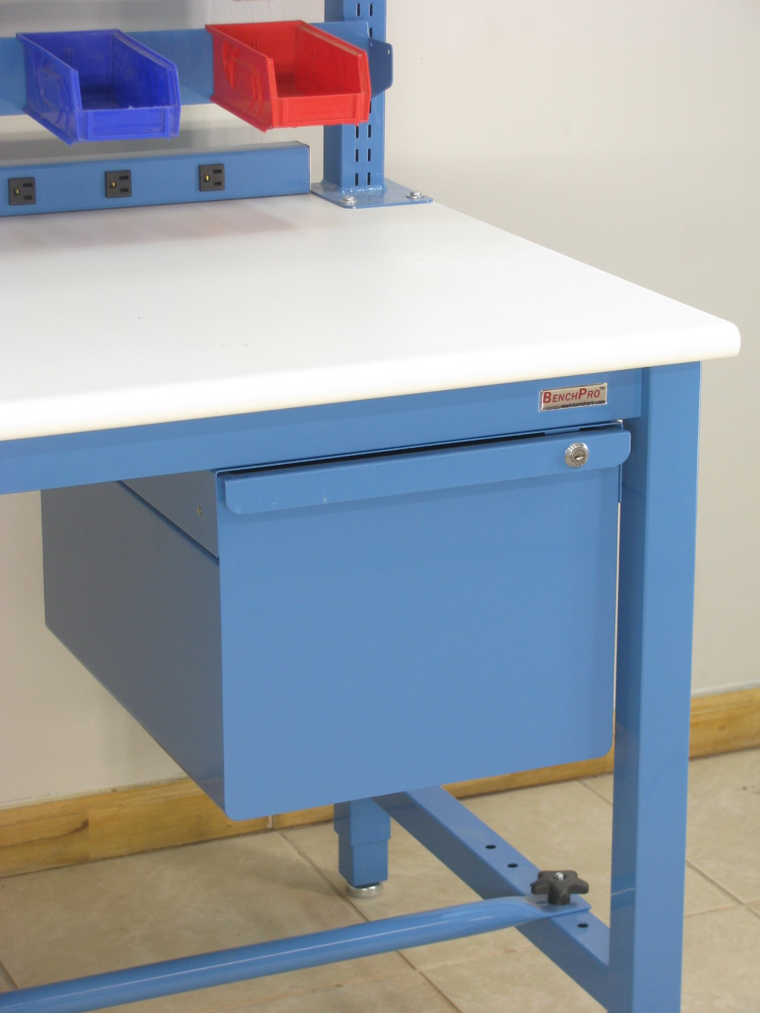 how to cut a laminate bench top