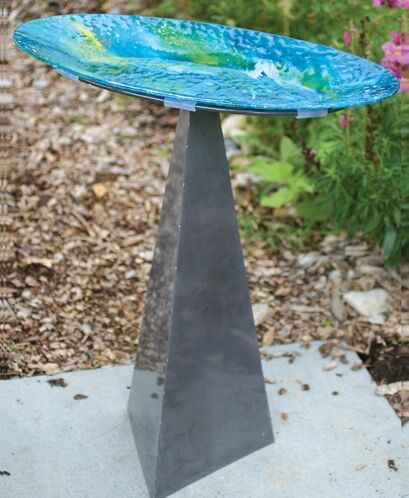 Allied Precision Heated Bird Bath With Metal Stand